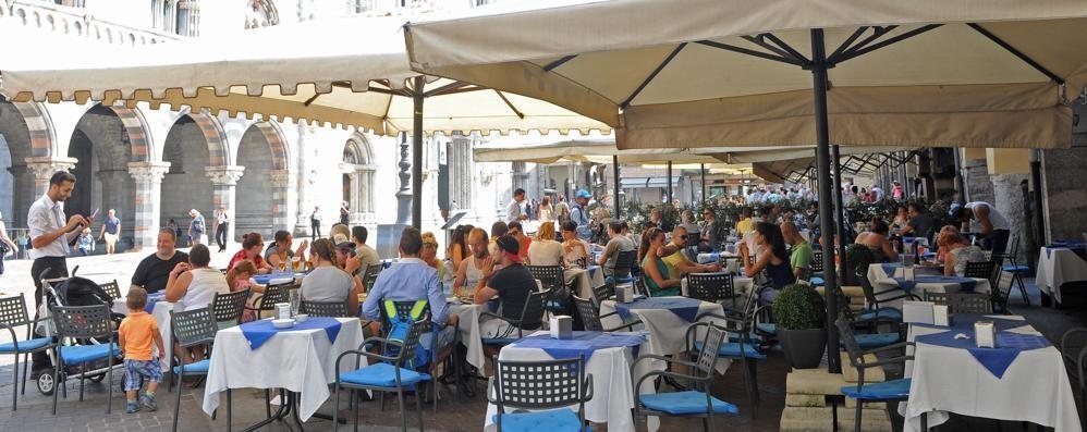 Centro città pedonale  L'assessore ai negozianti  «Tavoli dei bar triplicati»