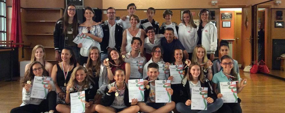 Scuola Como Danza Dogi Scorpacciata di titoli: sette