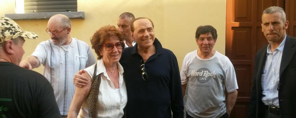 Berlusconi a Oltrona  «Quando per due lire  suonavo le campane»