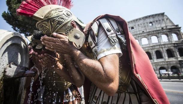 Roma,stop a 'centurioni': 400 euro multa