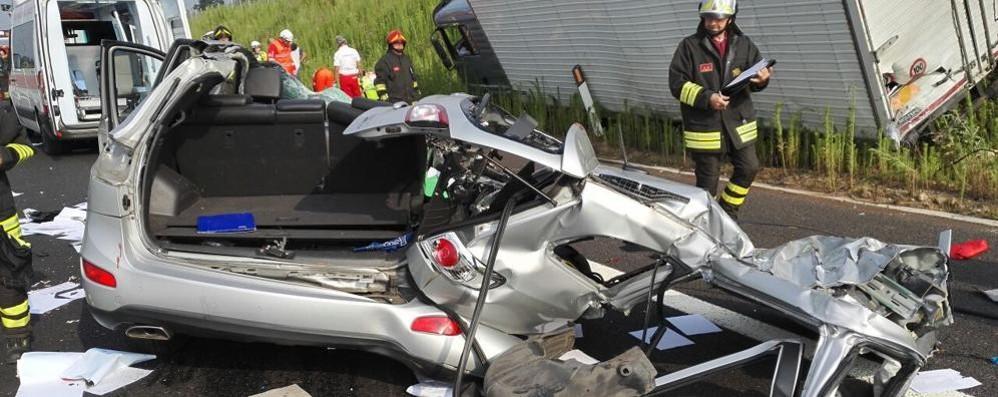 Incidente sulla Pedemontana  Un camion e cinque auto: feriti