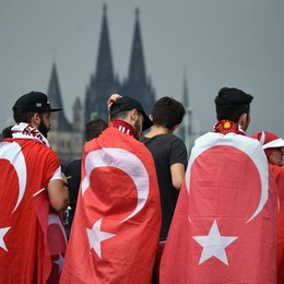 Al via marcia pro-Erdogan a Colonia