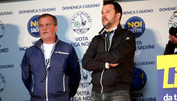 Calderoli, no urne prima del referendum