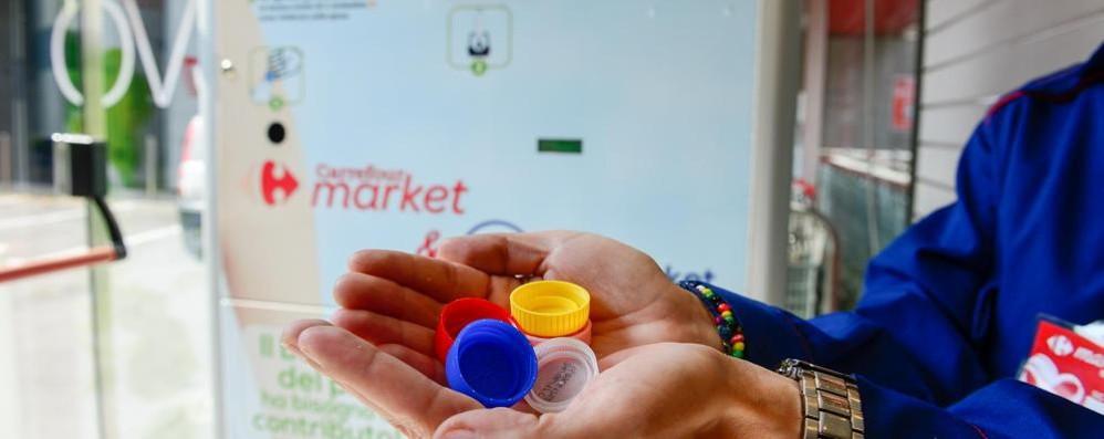 Como, al market  un centesimo di sconto  per ogni tappo di plastica