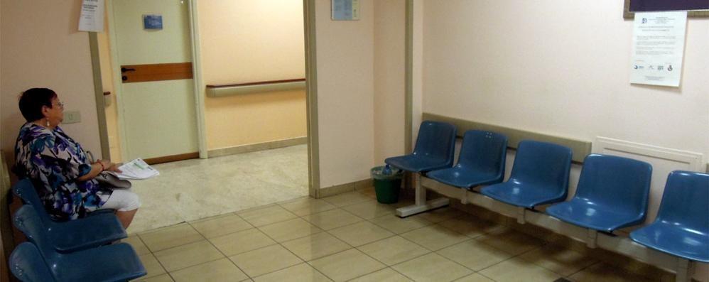 Erba, otto mesi per una visita medica  «Liste d'attesa gonfiate da urgenze facili»