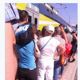 Gita a Como, che incubo  Prima la funicolare ko  Poi treno rotto,  attesa sotto il sole