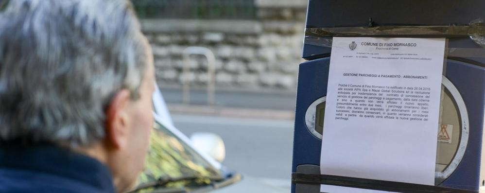 Parcheggi a Fino, la pacchia è finita  Da oggi la sosta torna a pagamento