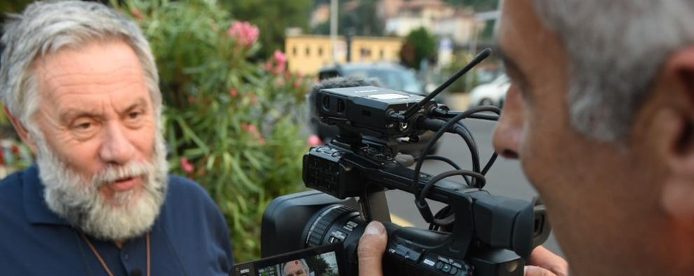 Emergenza profughi  La Rai denuncia il caso Como   Clicca e guarda il video