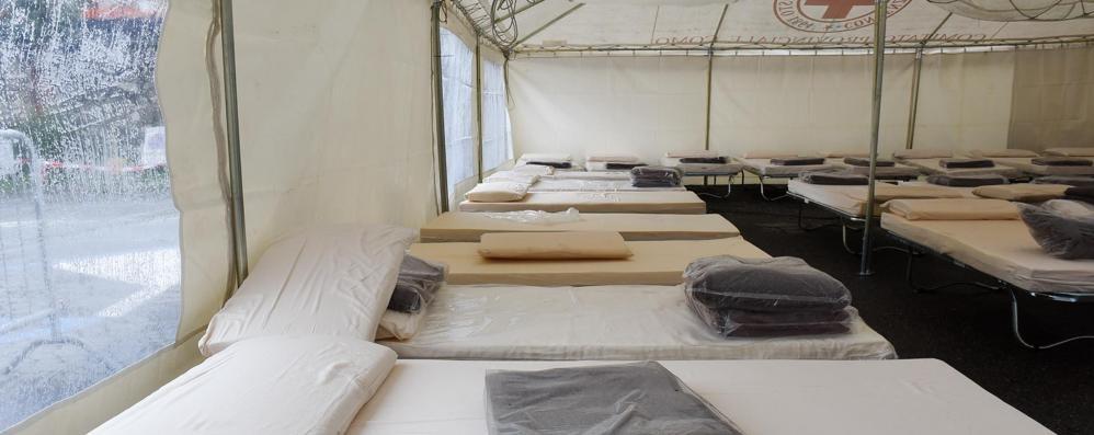 Profughi, altri arrivi a Como  Nelle tende solo 12 ospiti