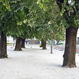 Dal cantiere spunta una sorpresa In piazza Roma cemento e sabbia