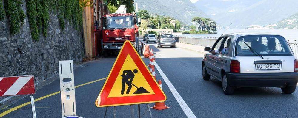 Via per Cernobbio e Bellinzona  I lavori nel traffico di agosto