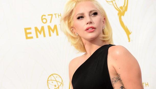 Lady Gaga, remake film e nuovo singolo