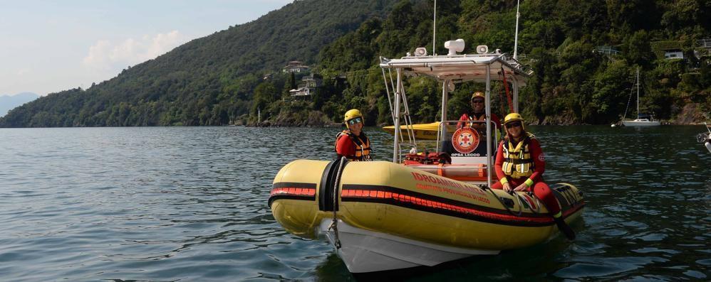 Traversata di nuoto Cremia Dervio  Barca speronata per evitare una tragedia