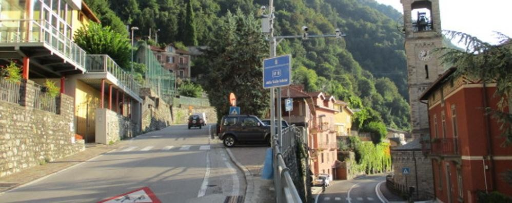 Argegno, tre abitazioni svaligiate    Ladri in fuga, bottino di migliaia di euro