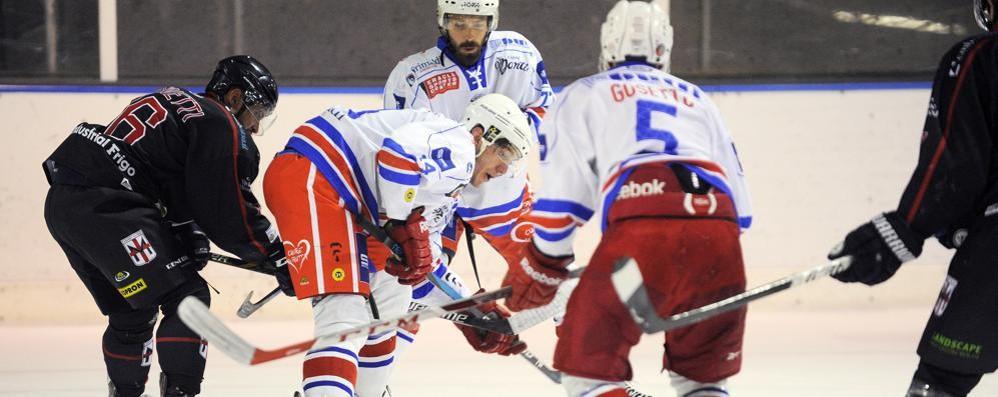 Prima Chiavenna, poi Varese Che partenza per l'Hockey Como