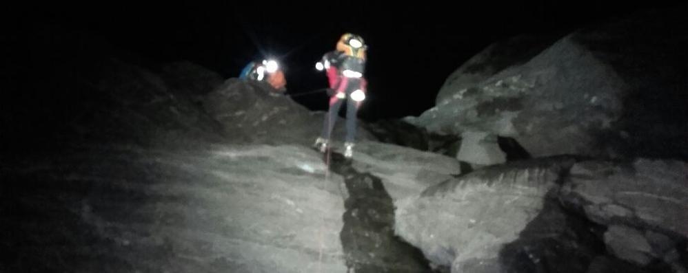 Lungo intervento nella notte  Comasco e  milanese bloccati in montagna