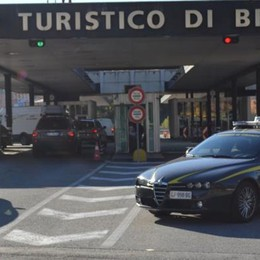 Politico in dogana con il tesoretto La finanza blocca 180mila euro