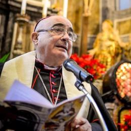S. Abbondio, oggi il vescovo  prega con i migranti