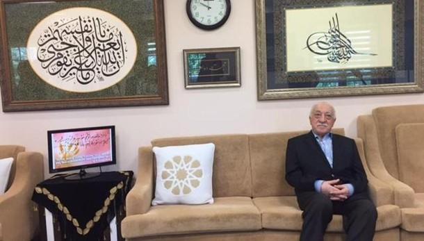 Turchia: spiccato mandato arresto Gulen