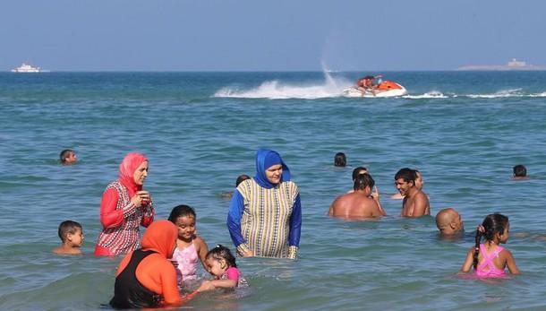 Burkini: a Nizza divieto sospeso