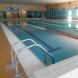 Olgiate, la  piscina brucia la concorrenza  Ed è già boom per i corsi di nuoto