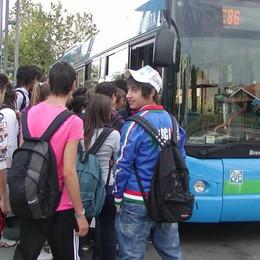 La beffa della fermata del bus  «L'orario non è quello giusto»