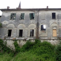 Pietrasanta, all'asta l'antico castello  Cantù, le offerte partono da 2,6 milioni