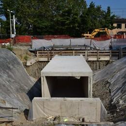 Alla stazione c'è il tunnel  Però adesso manca l'acqua