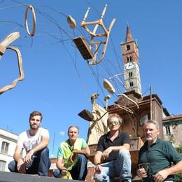 Festa del legno, conto alla rovescia  Al via il cantiere dei mobili volanti