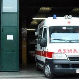 Locate, cade colpito da infarto  Muore autista di un camion