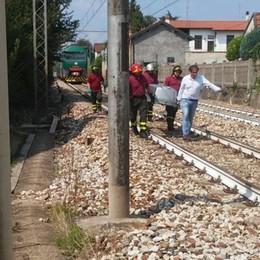 Locate, travolto dal treno  Morto sul colpo