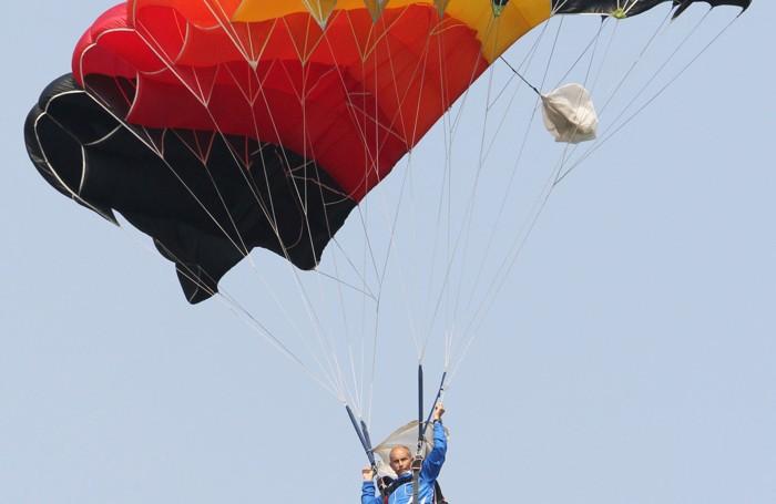 Menaggio festa paracadutisti