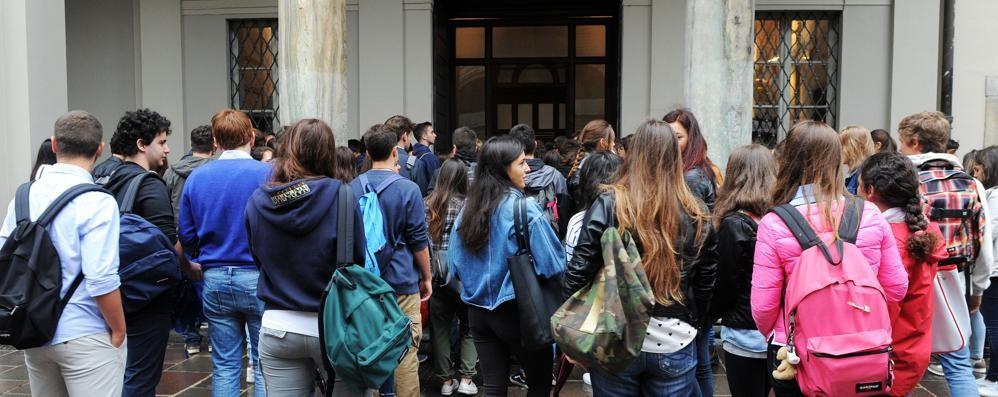 Scuola, mancano i prof  Il ministro a La Provincia:  «I vuoti saranno colmati»