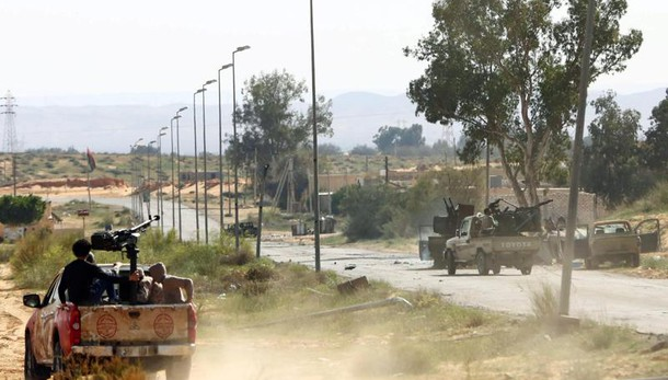 Milizie assaltano 3 ministeri a Tripoli