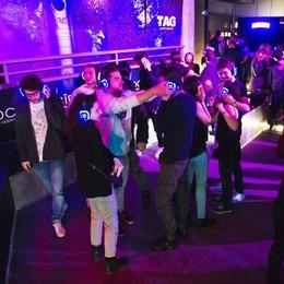 Che silenzio in discoteca La musica solo in cuffia  Guarda il video