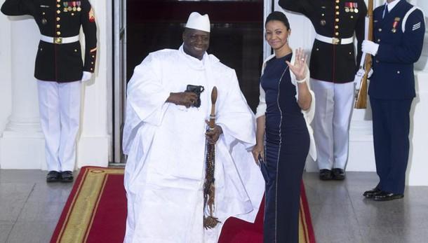 Truppe Senegal verso confine col Gambia