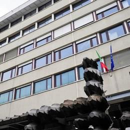 Comune di Como sconfitto da due baristi  Voleva i danni «per perdita di tempo»