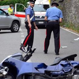 Moltrasio, incidenti  per colpa dell'asfalto  Lavori al via dopo sette mesi