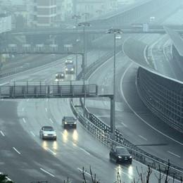 Ticino, contro lo smog  80 all'ora in autostrada  Si parte questa  mattina