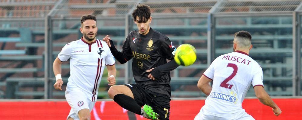 Como, così finisce il mercato  Mutton all'Inter, Di Quinzio resta