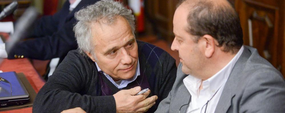 Pd, anche De Feudis alle primarie  I grillini ad Albate scelgono i candidati