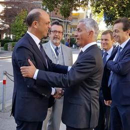 Italia-Svizzera, accordo vicino  Cambiano le tasse dei frontalieri