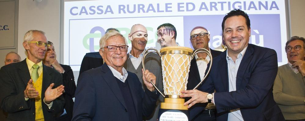 Bianchini torna a Cantù  Coppa di legno per il coach