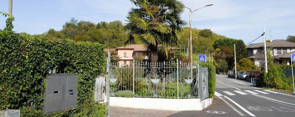 I ladri sfruttano il weekend  Colpi a Montano e San Fermo