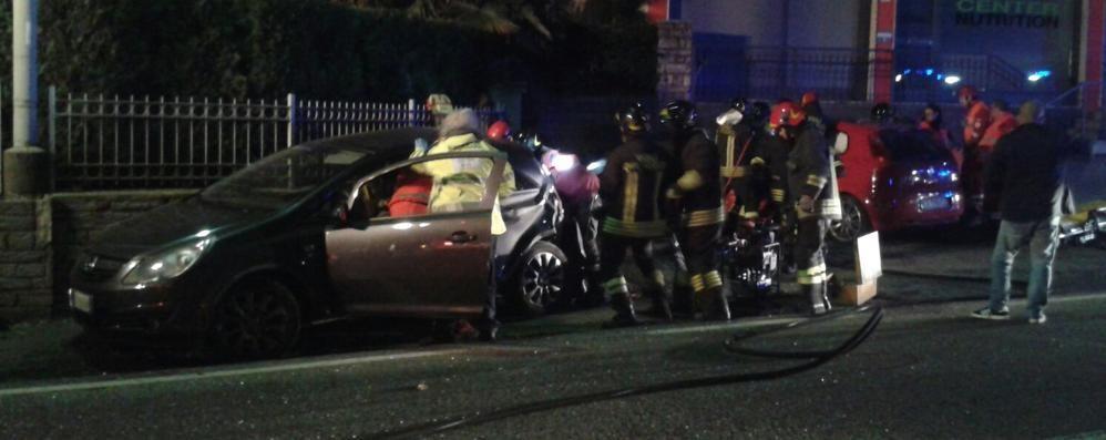 Schianto tra auto a Socco  Tre persone ferite