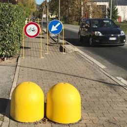 I marciapiedi non sono piste  Merone sfratta le bici