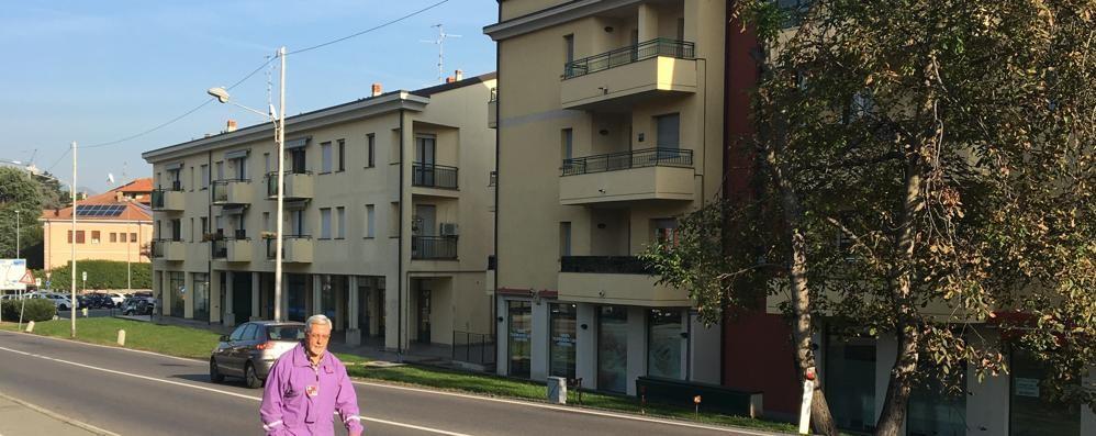 Sono in arrivo i marciapiedi  sulla Varesina a Villa Guardia