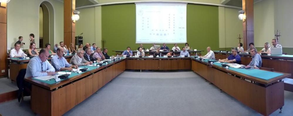 Consiglio comunale sulla 'ndrangheta  Cantù lo rinvia a inizio 2018