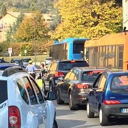 Erba si ribella al ministro Fedeli  «Troppo caos fuori dalle scuole»