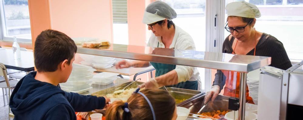 Como, via polenta e piselli  A scuola cambiano i menù